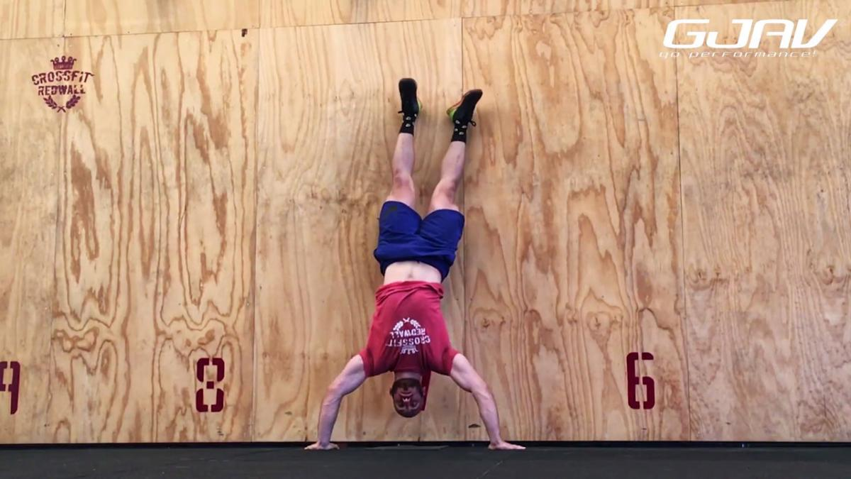 Kipping Handstand Push-Up HSPU CrossFit